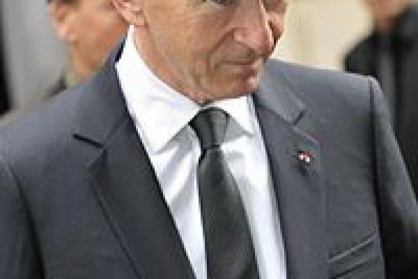 بیوگرافی برنار آرنو