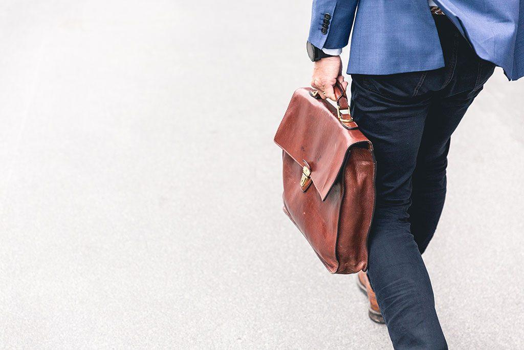 چگونه یک شغل پارهوقت مناسب پیدا کنیم؟ + چند پیشنهاد شغلی