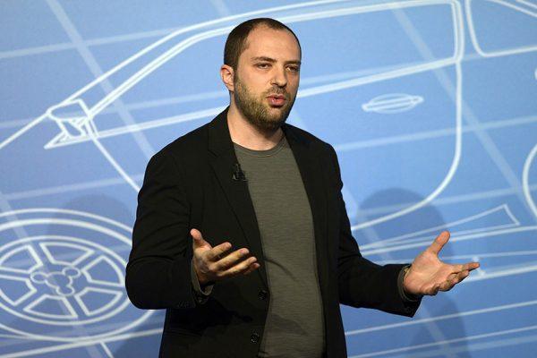جان کوم بنیانگذار برنامه واتساپ